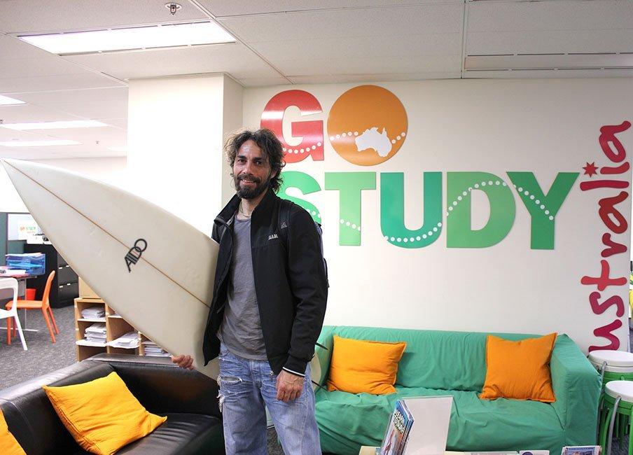 Pronto per andare a surfare!